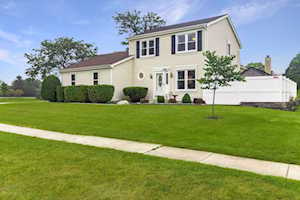 1308 Fountain Green Dr Crystal Lake, IL 60014