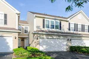 427 Windham Cove Dr Crystal Lake, IL 60014