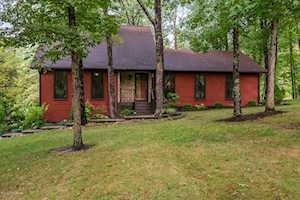 3408 Pin Oak Dr La Grange, KY 40031