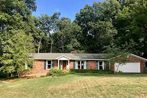 8913 Mountain Brook Ct Louisville, KY 40272