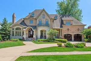 77 Waverly Ave Clarendon Hills, IL 60514