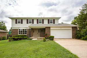 2827 Fraternity Ct Crestview Hills, KY 41017
