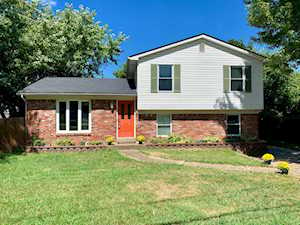 6628 Holly Lake Dr Louisville, KY 40291