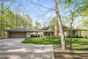 506 Forest Cove Rd Lake Bluff, IL 60044