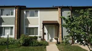 1510 Clearwater Dr Wheeling, IL 60090