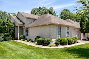 423 Village Lake Dr Louisville, KY 40245