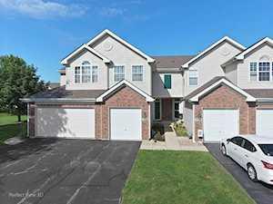 7332 Grandview Ct Carpentersville, IL 60110