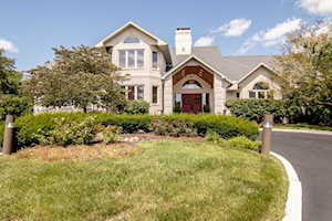 2004 Black Swan Ct Darien, IL 60561