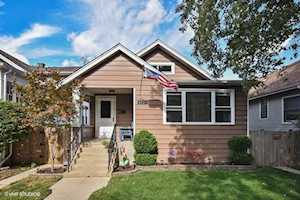 5237 N Lind Ave Chicago, IL 60630