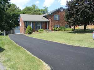 8603 Farmsfield Ct Louisville, KY 40299