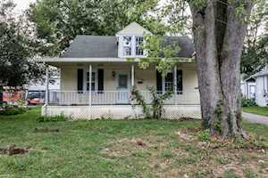 208 N Cedar St La Grange, KY 40031