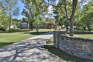 3702 Buck Creek Rd Finchville, KY 40022