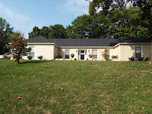 2900 Carlingford Dr Louisville, KY 40222
