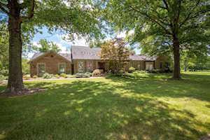 879 Squire Oaks Dr Villa Hills, KY 41017