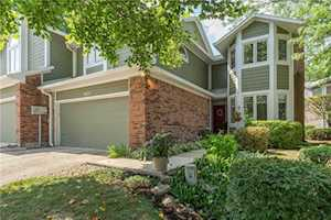 8072 Foxchase Drive Indianapolis, IN 46256