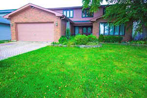731 Eastchester Rd Wheeling, IL 60090