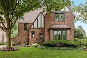 611 Lakeview Terrace Glen Ellyn, IL 60137