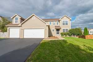 421 Lake Plumleigh Way Algonquin, IL 60102