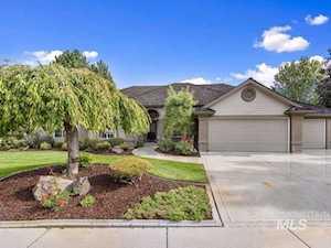 4938 W. Navaho Court Garden City, ID 83714