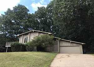 21423 Ravenna Drive South Bend, IN 46628