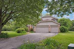 1707 Stoneleigh Ct Lake Forest, IL 60045