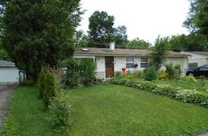 226 Harrison St Carpentersville, IL 60110