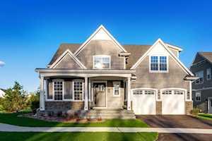 1561 Woodview Ln Northbrook, IL 60062