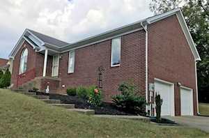 4005 Saratoga Woods Dr Louisville, KY 40299
