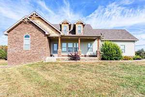 682 Cameron Ridge Rd Shepherdsville, KY 40165