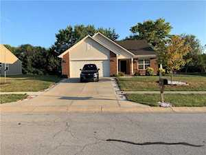 576 Grassy Bend Drive Greenwood, IN 46143