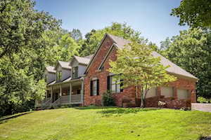 8006 Shadow Creek Rd Crestwood, KY 40014