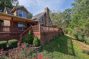 305 Woods Ln Brooks, KY 40109