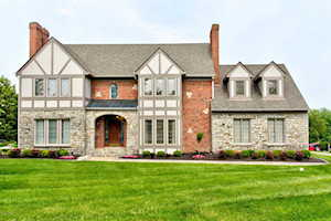 500 Woodlake Dr Louisville, KY 40245