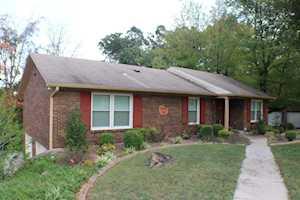 9005 Lakeridge Dr Louisville, KY 40272