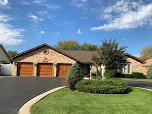 302 Waterford Dr Prospect Heights, IL 60070