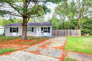 5401 Carling Ct Louisville, KY 40272