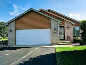 18418 S Pine Lake Dr Tinley Park, IL 60477
