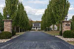16401 Emerald Hills Ln Louisville, KY 40299