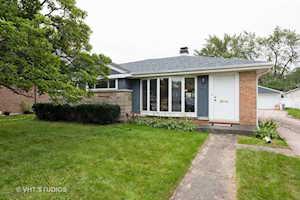 454 N Highland Ave Elmhurst, IL 60126