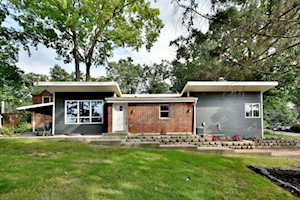 613 S Charleton St Willow Springs, IL 60480