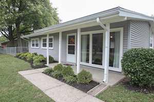 1701 Brentmoor Ln Louisville, KY 40223