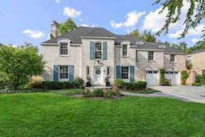 1760 Grove St Glenview, IL 60025