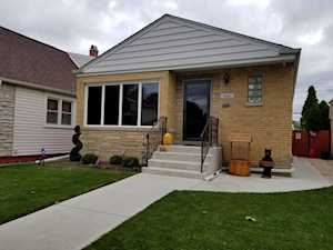 5345 N Nagle Ave Chicago, IL 60630