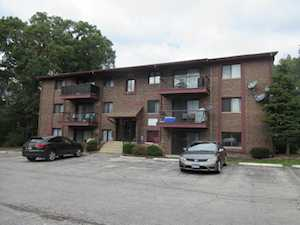 8473 Archer Ave #104 Willow Springs, IL 60480