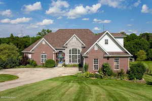4400 Ashers Run Ct Crestwood, KY 40014