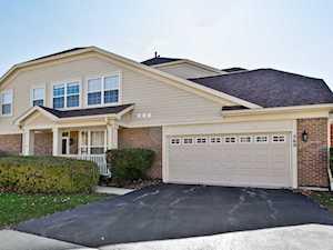 569 Harvey Lake Dr Vernon Hills, IL 60061