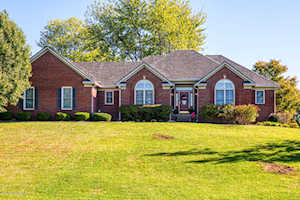 4705 Sunny Hill Dr Crestwood, KY 40014