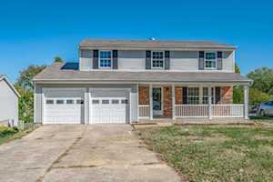 7009 Apple Orchard Ln Crestwood, KY 40014