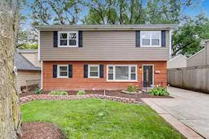 424 W Avery St Elmhurst, IL 60126