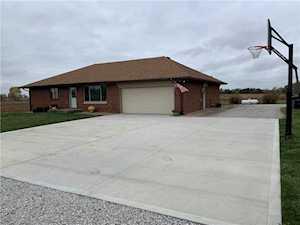 402 S County Road 400 E Avon, IN 46123
